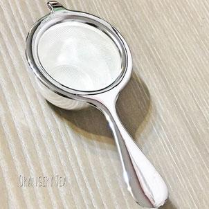 茶こし 銀メッキ。カジュアル使いからアフタヌーンティーまで幅広いシーンで使える