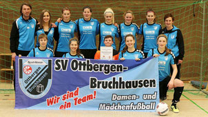 Archivbild: Bei den Hallenkreismeisterschaften 2017 wurden unsere Damen erst im Finale beim Neunmeterschießen durch den SV Bökendorf gestoppt.