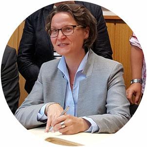 Ina Scharrenbach stellt mit ihrem Ministerium neue Fördergelder bereit (Bild: Archiv)