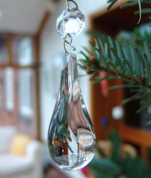 Geschliffener Glastropfen