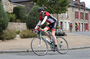 Sam Ehlers turning slowly at Paris-Brest-Paris 2015 Randonneur