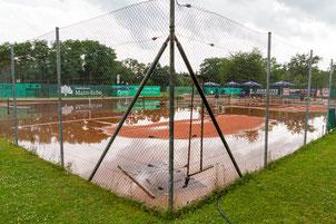 Die WSV-Tennisanlage war zuletzt eher was für Wasserballer.