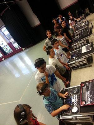 DJ MARSEILLE,DJ MARIAGE MARSEILLE,DJ AIX EN PROVENCE,DJ BOUCHES DU RHONES,MARIAGE MARSEILLE,MARIAGE AIX,PENNES MIRABEAU,PENNOIS,COURS DJ MARSEILLE,COURS DJ AIX,ECOLE DJ AIX,ecole dj marseille,DJ PACA
