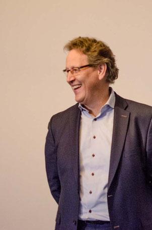 Jörg Knippschild; Wortwechsel in violett