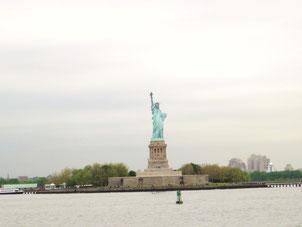 フェリーから見た自由の女神像