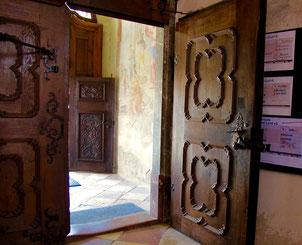 neu angefertigtes Eingangs-Portal
