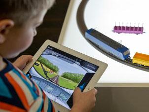 Zum Auftakt der weltgrößten Spielwarenmesse zeigen die Hersteller ihre innovativsten Neuentwicklungen. In diesem Jahr fällt in Nürnberg vor allem eines auf: Ohne Elektronik kommt kaum noch ein Spielzeug aus. Foto: Daniel Karmann