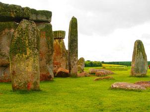 5.000 Jahre alter Steinkreis, in unzähligen Büchern beschrieben