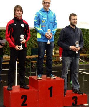 Andreas Prautsch (auf Platz 2) bei der Siegerehrung