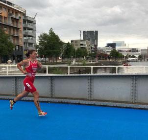 Tanja Stroschneider beim Weltcup-Triathlon in Antwerpen (Foto: zVg)