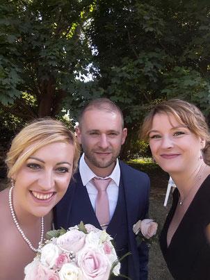 Le selfie des mariés - officiante de cérémonie laïque Charlotte Vilain