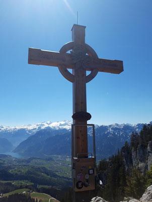 Ausblick auf das Dachstein Massiv vom Predigtstuhl Gipfel aus - Predigtstuhl Gipfelkreuz