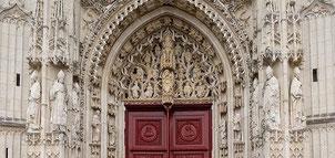 Cliquez sur l'image pour consulter le très riche programme ESTIVAL du centre culturel de Saint-Riquier.