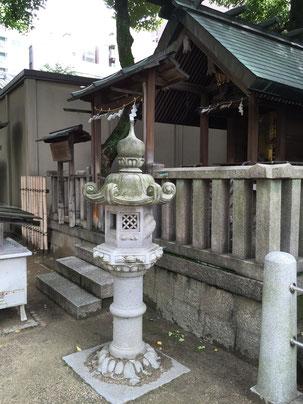 こちらも大阪天満宮にあった春日灯籠 笠の先の蕨手(わらびて)が特徴的だ