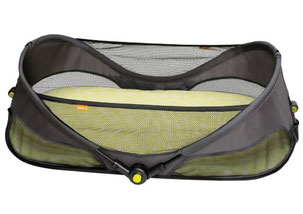 Travel bassinet for travel with your baby