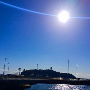 片瀬から見える江ノ島