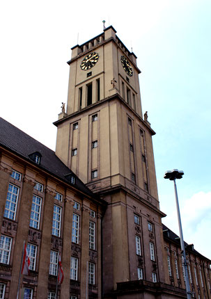 Rathausturm Rathaus Schöneberg. Foto: Helga Karl