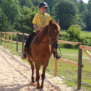 Ranch Horse Riding and Western pleasure lessons is what we teach here at Pony Gang in Camden, SC
