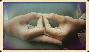 Marieeve Pöllinger Energetikerin Kinderenergetikerin Mentaltrainerin Mudra Entspannung seelisches Gleichgewicht ein Leben in Balance Happy Moments Selbstbewusstsein untertüzen