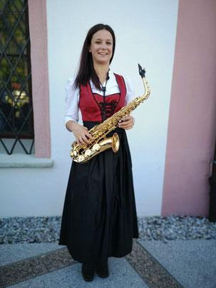 Adriana Wacker, Saxophon