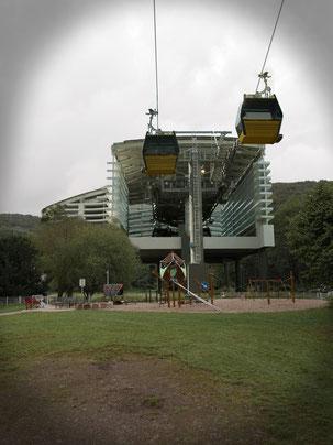 Spielplatz Hindenburgplatz mit Seilbahnstation