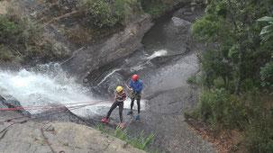 Tourpaket Santander Kolumbien Abseilen am Wasserfall Outdoor