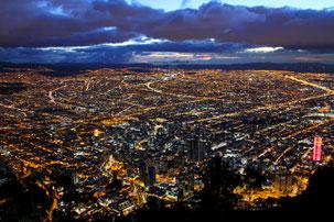 Bogotá bei Nacht Cundinamarca Info Reisen