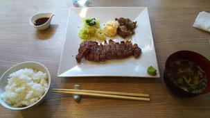 鈴木真輝人食事画像