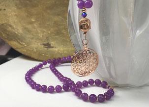malakette-violetter-stein