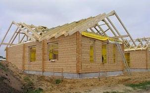 Blockhaus - Montage: Wohnblockhaus mit Thermowand