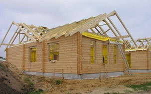 Blockhaus bauen: Wohnblockhaus mit Thermowand