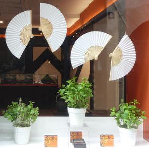 conception creation, set design decor scénographie, retail, vitrine luxe chocolat