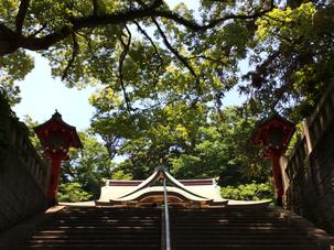 階段を昇ればそこに江島神社