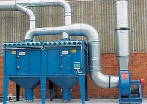 Il filtro a cartucce AIRCOMPACT è un depuratore polveri e fumi con pulizia automatica in controlavaggio.Composto da elementi filtranti a cartucce racchiusi in un corpo centrale a tenuta d'aria, il filtro a cartucce AIRCOMPACT può essere dunque utilizzato