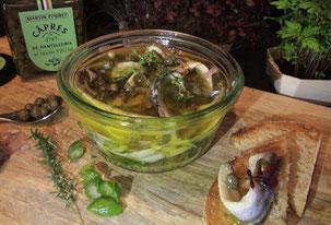 Anchois frais marinés aux câpres et citron vert