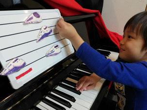 どれみ音楽教室 どれみらぼ 目と手の協応 読譜の導入