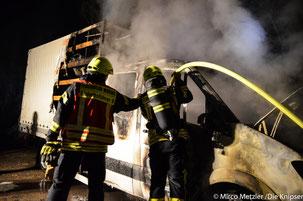 Aus bislang noch ungeklärter Ursache geriet am Dienstagabend in Worms-Rheindürkheim ein LKW Sprinterin Brand.