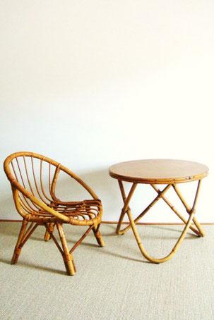 Ensemble fauteuil et table en rotin des années 60
