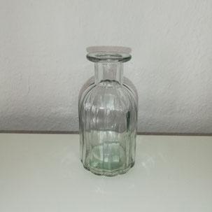 Flasche mit geripptem Muster als Dekoration für Feiern aus Dekoverleih in Bielefeld