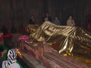 クシナガルの釈尊涅槃像