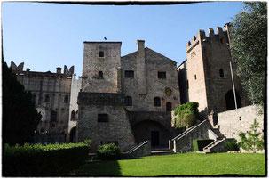 la facciata de castello