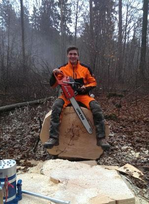 Leon Thiel, geboren in Freiburg, zog zum Studium nach Köln und entdeckte hier senine Leidenschaft zur Baumpflege