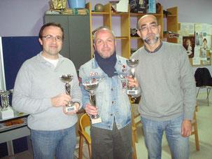 Juan Valera en el centro, con Paco Dorado a la izquierda y Dioniso Flores a la derecha, podio del año 2012.