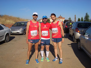 De izq. a der. Dionisio Flores, Juan  Valera y Javi Osuna.