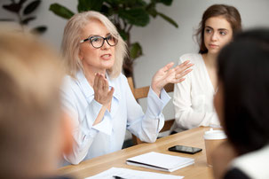 Berater müssen heute weltweit komplexe Arbeitsstrukturen überblicken. Dabei hilft die Vernetzung mit anderen Spezialisten.  Foto: djd/www.mittelstandsberater.de