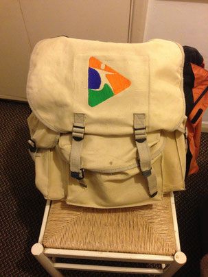 Der Rucksack ist besser für den Rücken als die Umhängetasche, aber...