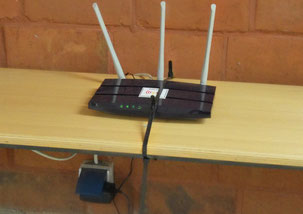 20150728_FF-Router_in_Turnhalle.jpg