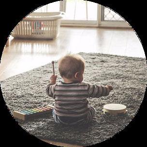 Babykurs Barsinghausen Gehrden Babys erstes Jahr DELFI Hebammenpraxis Babygymnastik Babyyoga Babymassage Leboyer indisch Schmetterlingsmassage