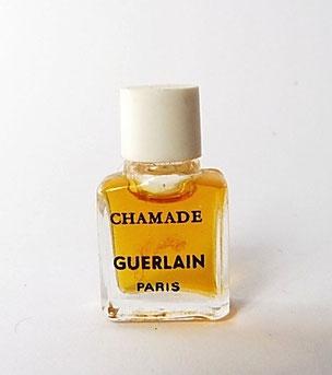 CHAMADE - PARFUM : TOUTE PETITE MINIATURE AVEC BOUCHON BLANC EN PLASTIQUE