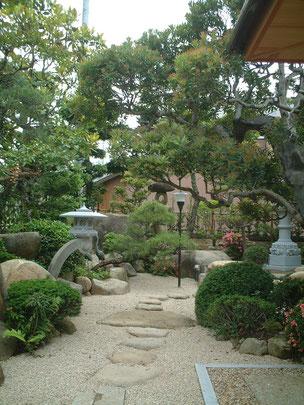 柴垣が修行時代に作った和風の庭